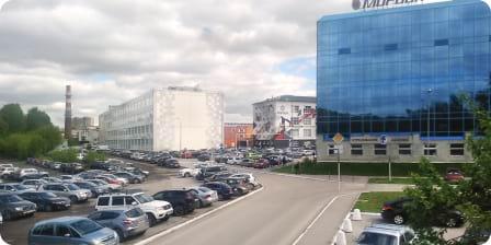 Состановки «Манеж Спартак» сверните налево идвигайтесь вдоль Шоссе Космонавтов, затем поверните направо кзданию бизнес-парка «Морион»